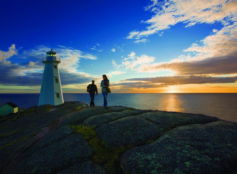 sunrise_at_cape_spear_lighthouse_national_historic_site_avalon-2017-shoot