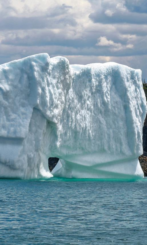iceberg_near_triton_island_green_bay_central